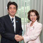 豊田真由子の子供がかわいそうにいじめにあってる⁉︎ 夫は国土交通省の官僚の噂も部署からクビか⁈